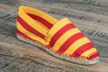 9espt218 Espadrilles cousues main en toile rayée jaune et rouge <br>Pointure 46 à 21.90 EUR