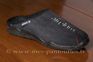Mules hommes noires brodées Airplum